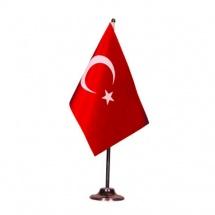 masa-turk-bayragi